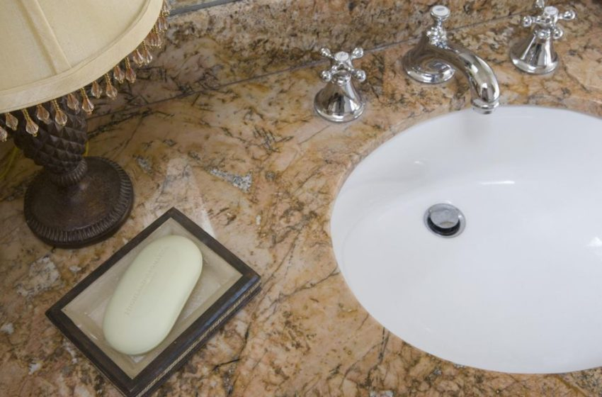 Marble or quartz: What's better for bathroom countertops?