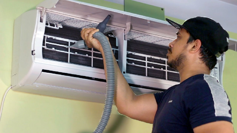 Is your AC unit smelling weird? Know why