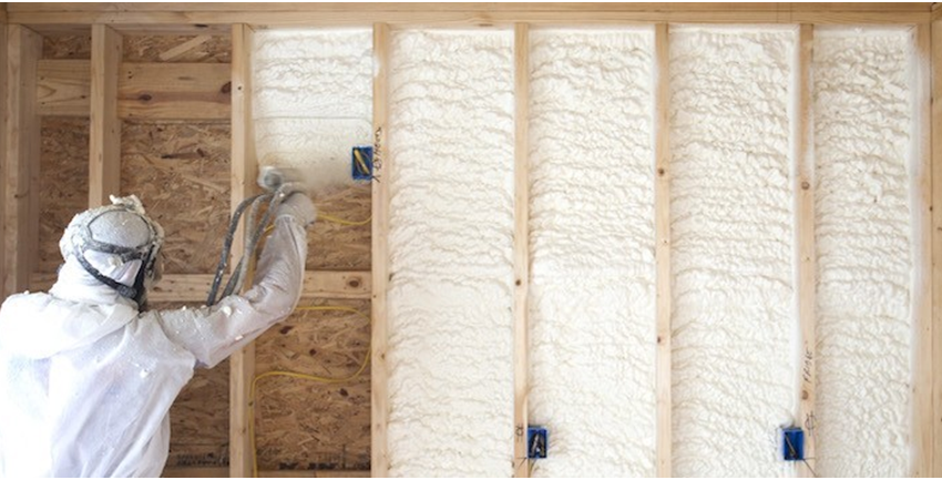 Fiberglass vs. Spray Foam: Which is a Better InsulatorFor Your Home