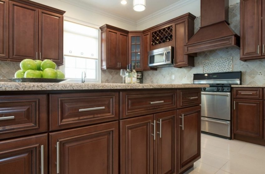 2 Reasons to Invest in Kitchen Cabinets
